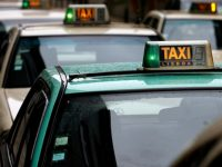 Taxista agredido, roubado e fechado na mala do veículo
