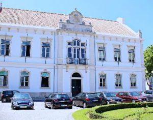 Câmara da Mealhada entrega trabalhos escolares a alunos sem Internet
