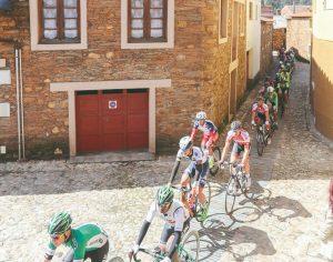 Ciclismo: Liberdade celebrada sobre rodas nas Aldeias do Xisto