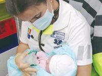 Bébé nasce em ambulância da Cruz Vermelha