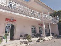 DR-Localizado em Condeixa-a-Nova, o restaurante tem nova gerência. Paulo Craveiro, acompanhado pela equipa, é o novo gerente e chef