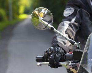 Motociclistas protestam contra inspeções